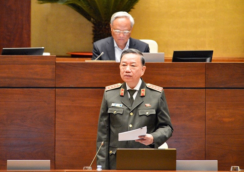 Bộ trưởng Bộ Công an giải trình thêm một số nội dung của dự thảo Luật Cư trú (sửa đổi)