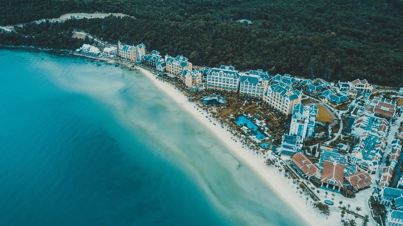 bai-kem-tai-nam-dao-so-huu-bo-suu-tap-co-so-luu-tru-tu-cac-khu-nghi-duong-khach-san-5-sao-den-mini-hotel-.jpg