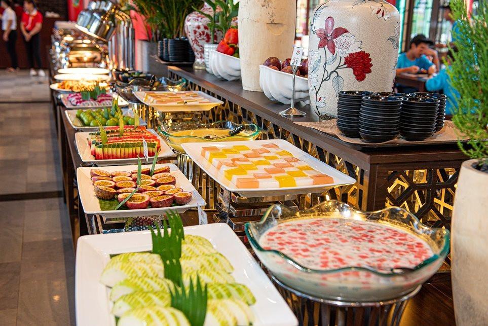 am-thuc-hap-dan-tai-nha-hang-the-gioi-buffet-trong-cong-vien-chau-a-4-.jpg