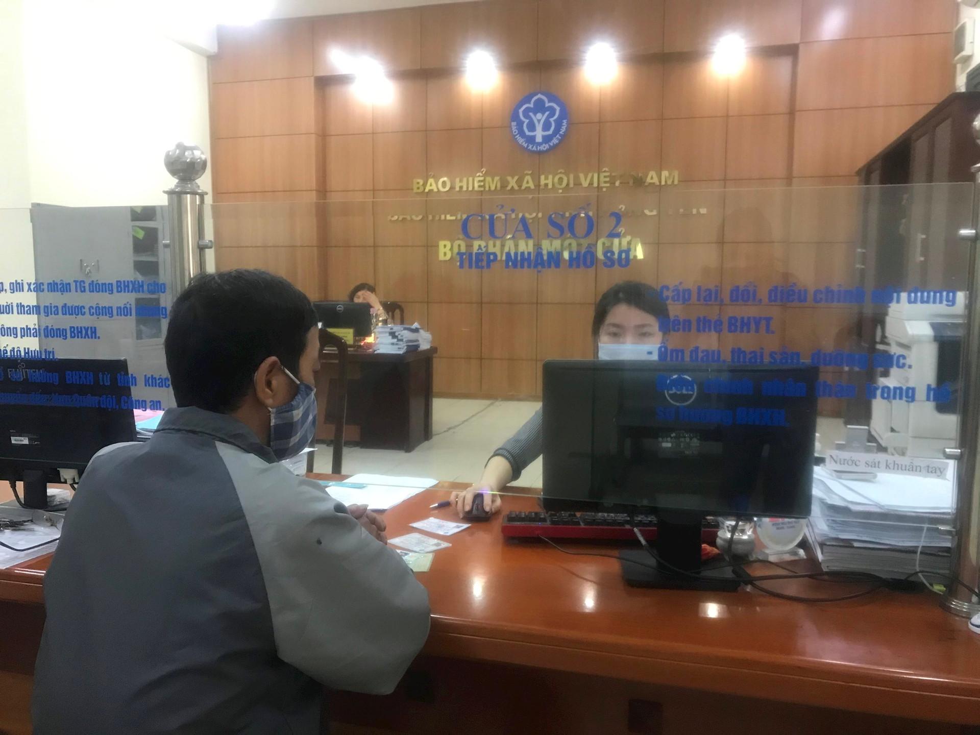 bo-phan-mot-cua-bhxh-tinh-hung-yen-sang-24.2.jpg