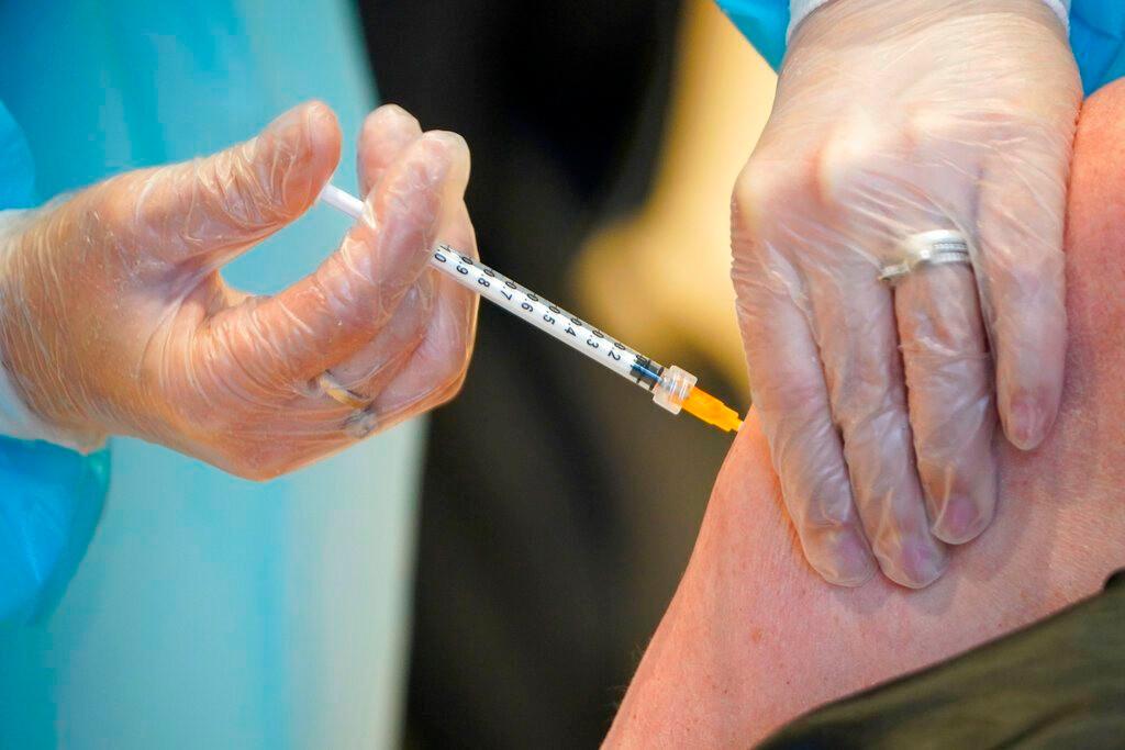 tiem-vaccine-ngua-covid-19.jpg