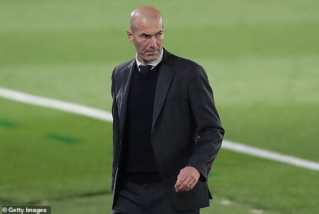 42931968-0-zinedine_zidane_is_reported_to_have_clashed_with_the_brazilian_d-m-36_1620897901261.jpg