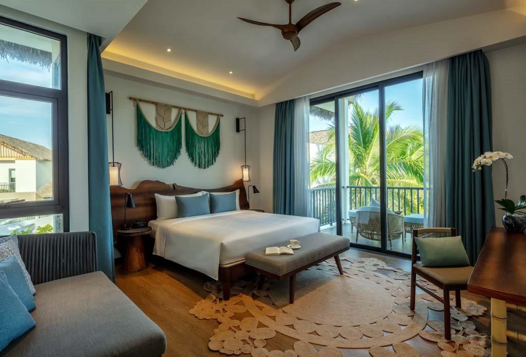 ben-trong-villa-new-world-phu-quoc-resort-duoc-bai-tri-thanh-nha.jpg
