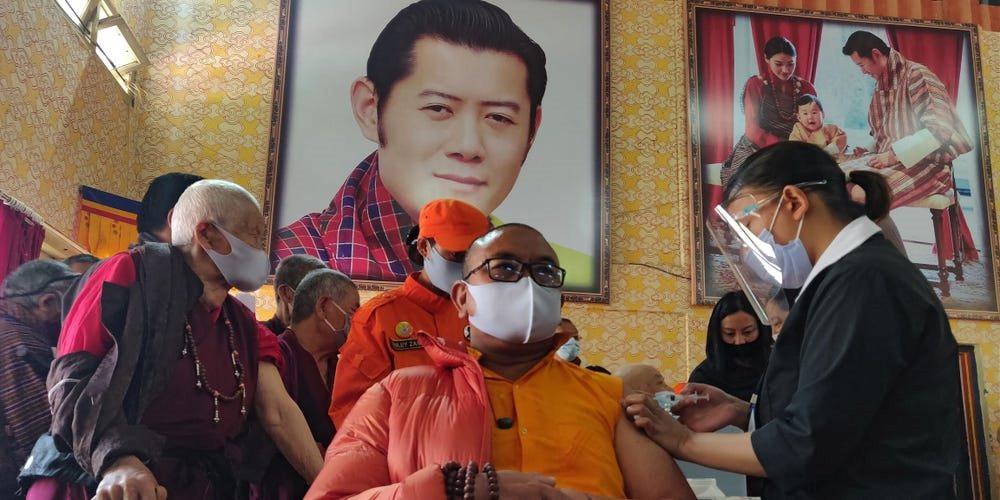bhutan-tiem-vaccine-covid.jpg