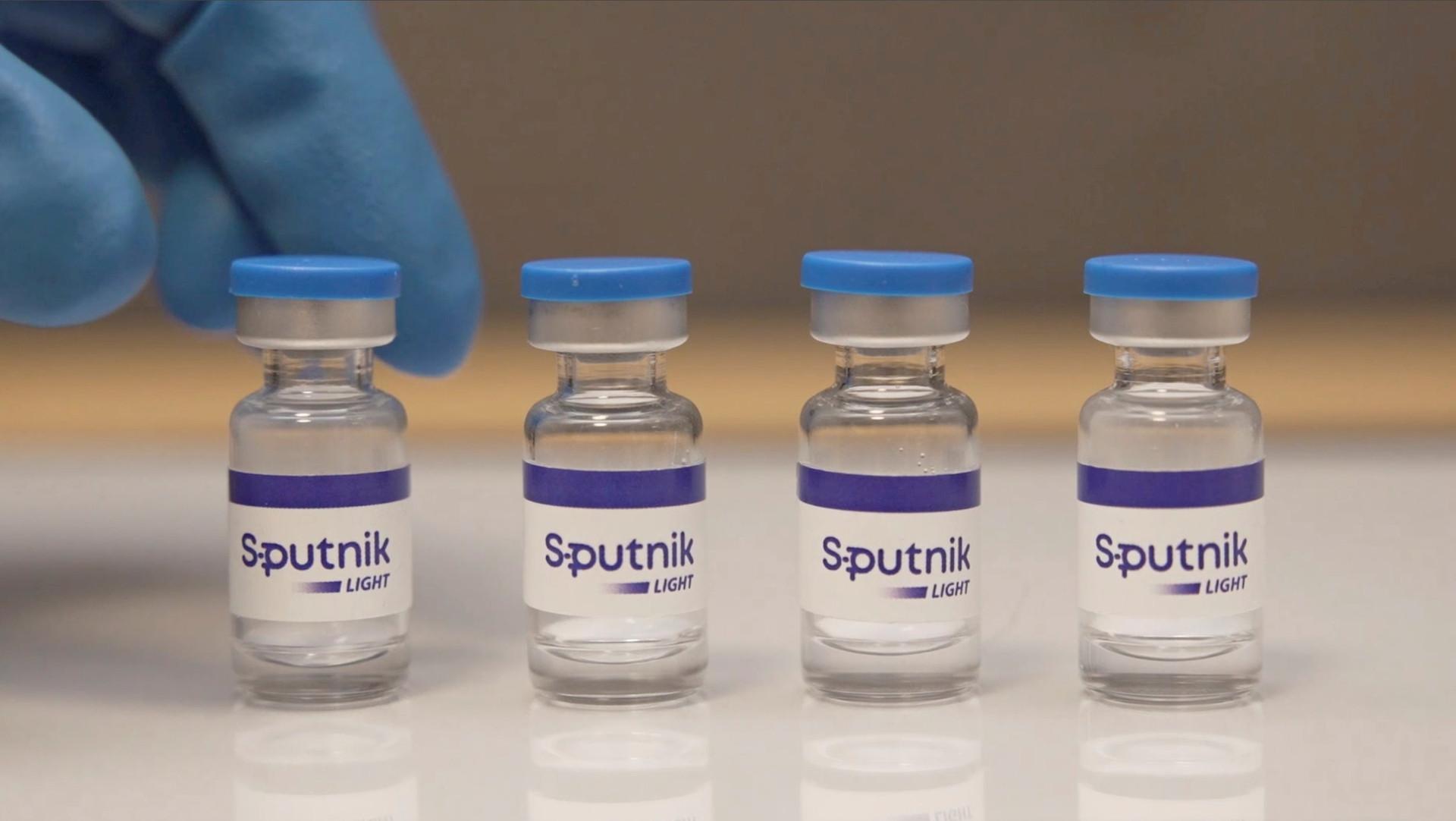 vaccine-sputnik-light.jpg