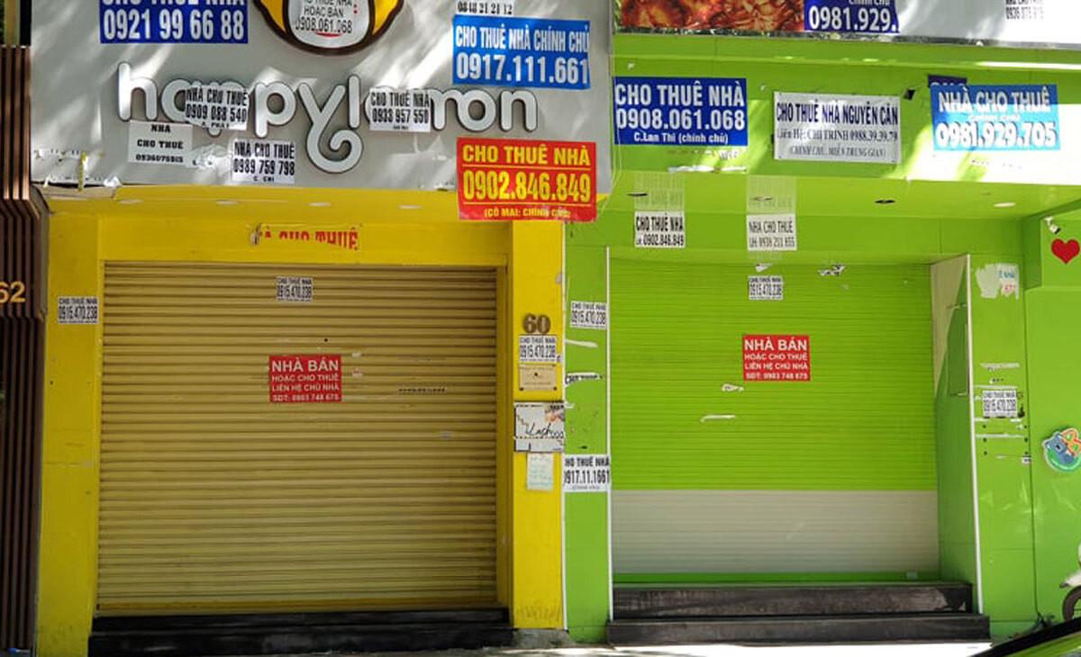 Nhà phố treo biển cho thuê tại khu trung tâm quận 1, TP HCM. Ảnh: Vũ Lê