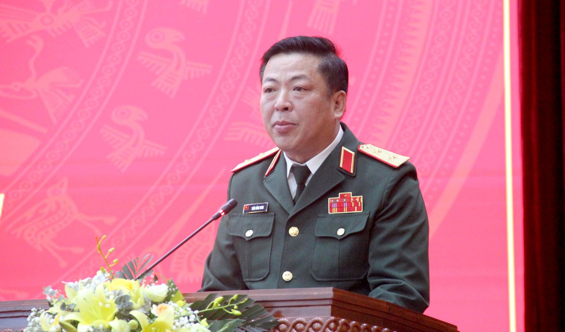 bo-chinh-tri-dieu-dong-trung-tuong-tran-hong-minh.jpg