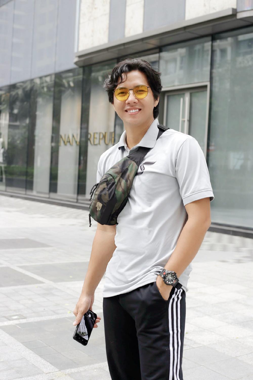 Đạo diễn Jin Sang trao quà cho học sinh khó khăn tại quê nhà - Ảnh 3.