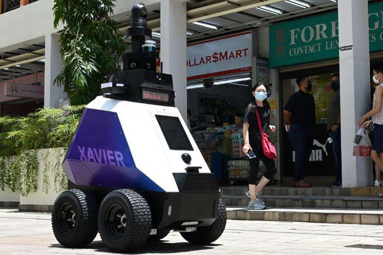 061021-robot1.jpg