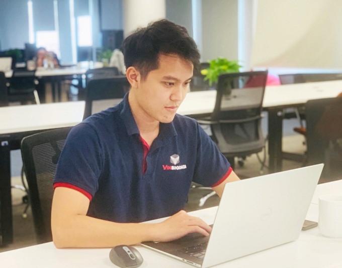 Trần Hữu Trí, cựu sinh viên ngành Công nghệ thông tin, Viện Công nghệ thông tin và truyền thông của Đại học Bách khoa Hà Nội. Trước khi tốt nghiệp thủ khoa sớm 5/2021, Trí đã tham dự chương trình đào tạo về BigData của doanh nghiệp hàng đầu Việt Nam. Ảnh: Nhân vật cung cấp
