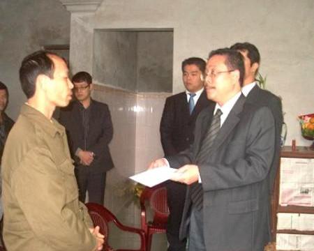 Honda Việt Nam hỗ trợ gia đình nạn nhân vụ nổ xe