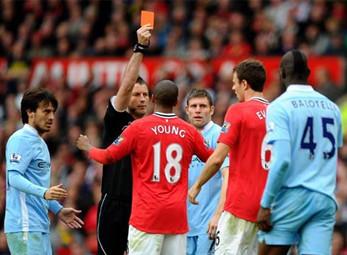 5 trận đấu đáng quên nhất của M.U ở Premier League 2011/2012?