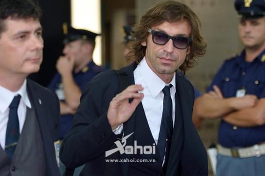 """Hậu Euro 2012: Pirlo vẫn muốn sát cánh cùng """"Bad boy"""""""