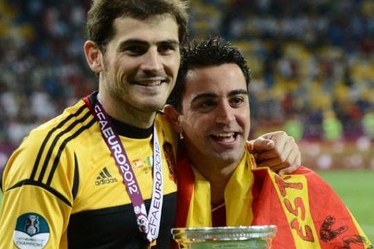 Casillas ghét Mourinho vì tình bạn với Xavi?