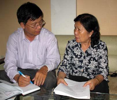 """Vụ """"giả mạo trong công tác"""" tại Long An: Cựu Công chứng viên thoát tội?"""
