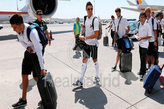 Chùm ảnh Real Madrid bắt đầu chuyến tập huấn tại Mỹ