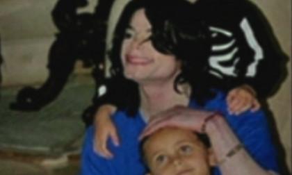 Ảnh chưa từng công bố của Michael Jackson và các con