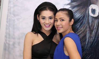 """Việt Trinh """"đọ sắc"""" cùng """"công chúa"""" Lâm Chi Khanh"""