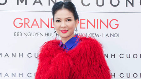 Thủy Hương - Người đàn bà đẹp của mùa đông Hà Nội