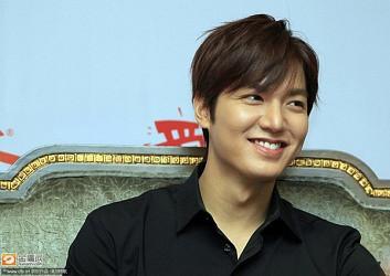 """""""Phát sốt"""" với những biểu cảm cực yêu của Lee Min Ho"""
