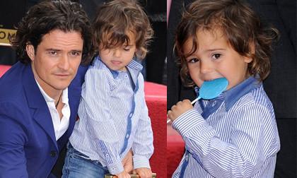 Flynn tinh nghịch, đáng yêu trên thảm đỏ với bố