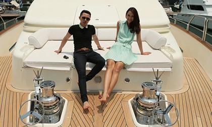 Trang Khiếu khoe dáng trên du thuyền 10 triệu đô