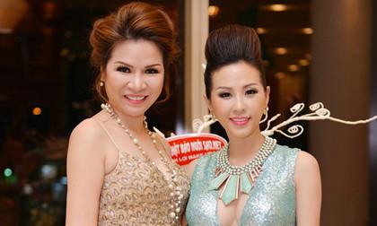 """Hoa hậu Thu Hoài """"đọ dáng"""" kiêu sa bên hoa hậu Bùi Thị Hà"""