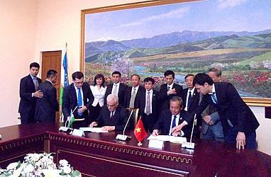 Tăng cường hợp tác hữu nghị giữa Tòa án hai nước Việt Nam - Uzbekistan