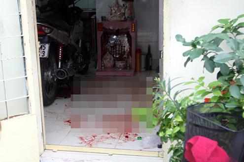 Người phụ nữ độc thân chết bí ẩn trên vũng máu