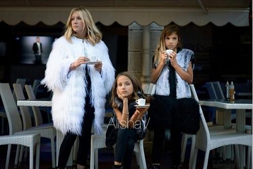 Nữ thiết kế 9 tuổi và BST áo lông thú sành điệu