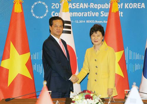 Thủ tướng hội đàm với Tổng thống Hàn Quốc Park Geun Hye