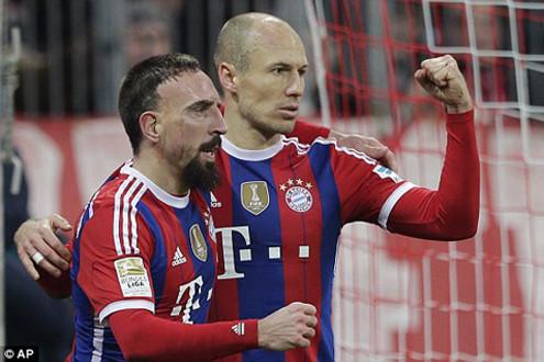 Arjen Robben ghi bàn thắng thứ 100, Bayern Munich thắng Freiburg 2-0
