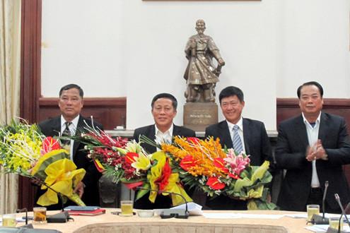Công bố các quyết định kiện toàn đội ngũ lãnh đạo công tác Đảng của TAND