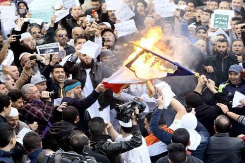 Pháp vẫn tiếp tục bảo vệ quyền tự do ngôn luận sau các cuộc biểu tình của người Hồi giáo