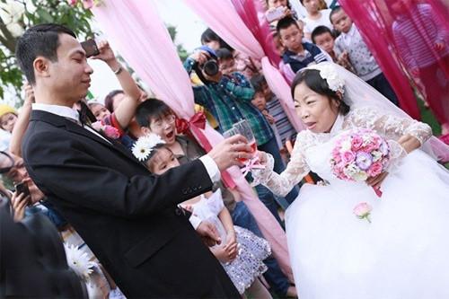 Người vợ trong đám cưới cổ tích đã qua đời