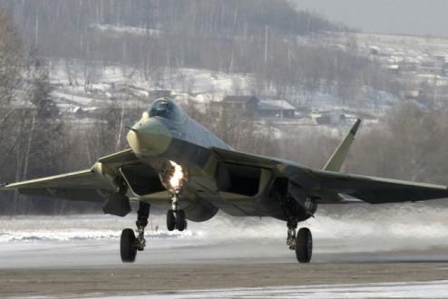 """""""Xem mặt"""" đối thủ đáng gờm của """"Chim ăn thịt"""" F-22 Raptor"""