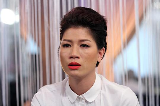 Trang Trần được tại ngoại về với gia đình