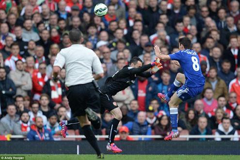 Cận cảnh Chelseal lần thứ 13 bất bại trước Arsenal