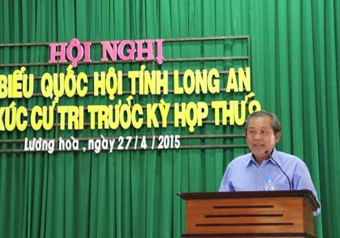 Bí thư Trung ương Đảng, Chánh án TANDTC Trương Hòa Bình tiếp xúc cử tri Long An