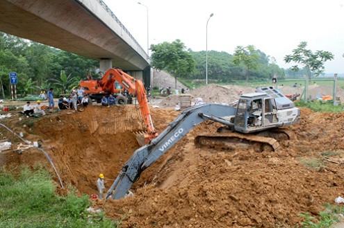 Bắt tạm giam 2 cựu giám đốc trong vụ vỡ đường ống dẫn nước sông Đà