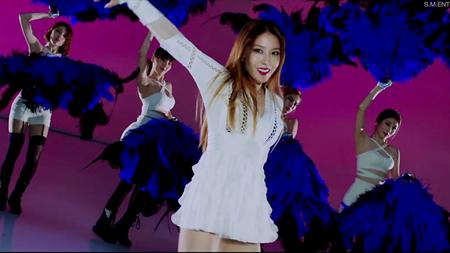 """Tin giải trí ngày 12/5: """"Nữ hoàng nhạc Pop"""" BoA bất ngờ sexy trong MV mới toanh"""