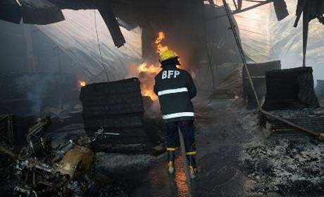 Cháy nhà máy ở Philippines, hơn 100 người chết và mất tích