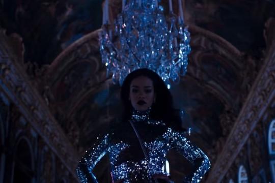 Rihanna ma mị tại cung điện Versailles trong quảng cáo của Dior