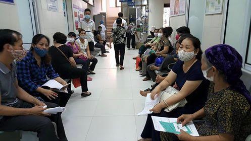 Bộ Y tế khuyến cáo người dân phải đeo khẩu trang khi đến bệnh viện hoặc cơ sở y tế