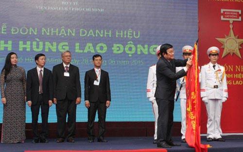 Viện Pasteur TP HCM đón nhận danh hiệu Anh hùng Lao động
