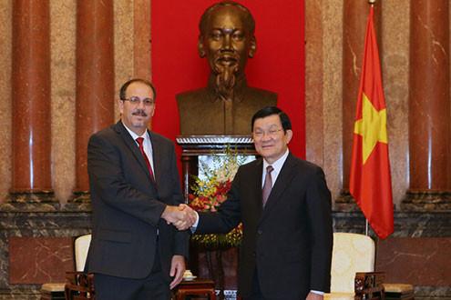 Chủ tịch nước tiếp Đặc Phái viên của Chủ tịch Cuba thăm Việt Nam