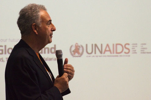 Đặc phái viên UN AIDS: 8.000 bệnh nhân HIV ở miền đông Ukraine gặp nguy hiểm