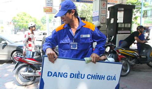 Giá xăng giảm còn dưới 20.000 đồng/lít từ 15h chiều nay