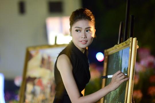 Hoa hậu Hoàn Vũ tổ chức gây quỹ từ thiện hơn 300 triệu đồng