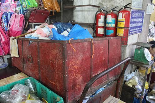 TT-Huế: Tiểu thương lo ngại về mất an toàn cháy nổ ở chợ Đông Ba
